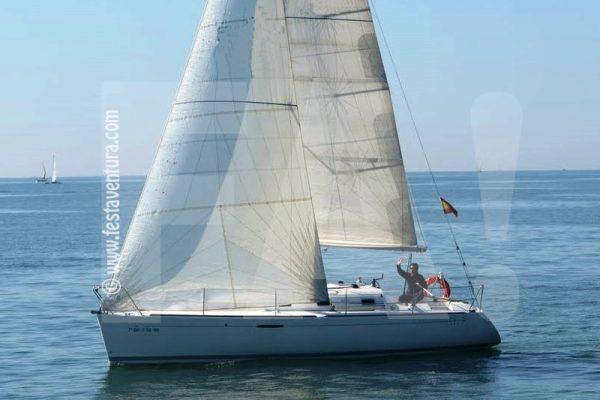 Alquiler de veleros para despedidas y fiestas Sitges www.festaventura.com